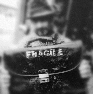 Bari- Fragile- Percorso di Consapevolezza Creativa, Caviardage®, SoulCollage®, tecniche creative